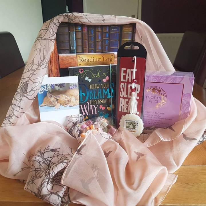 lindas-giveaway-mystery-prize