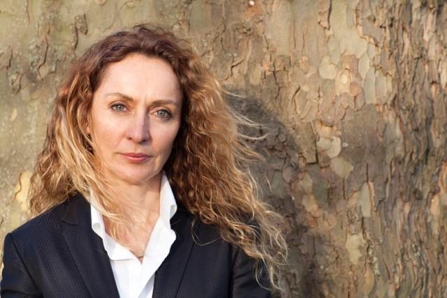 She's back author Lisa Unwin
